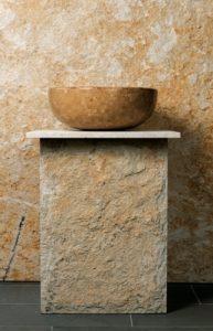 Naturstein-Waschbecken: Steinmetz- und Massivarbeiten gehören zu den Kernkompetenzen der SSG